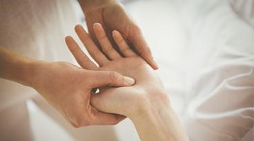 Taller a la gorra Online - Reflexología en manos para el dolor de cuello y garganta
